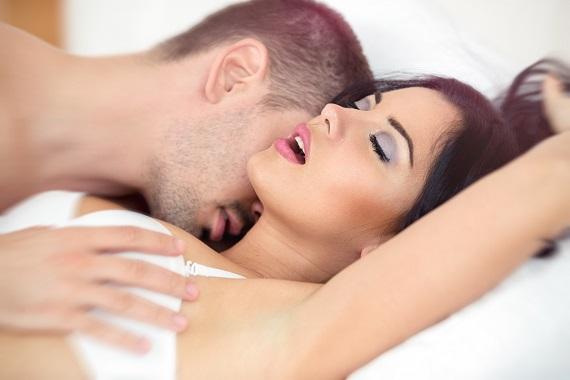 de ce se oprește o erecție în timpul actului sexual)