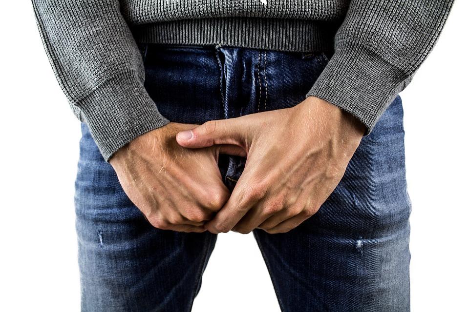 de ce este îndoit penisul meu