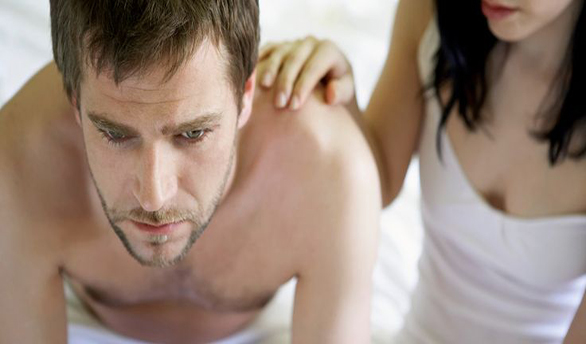 în timpul actului sexual, erecția slăbește cauza)