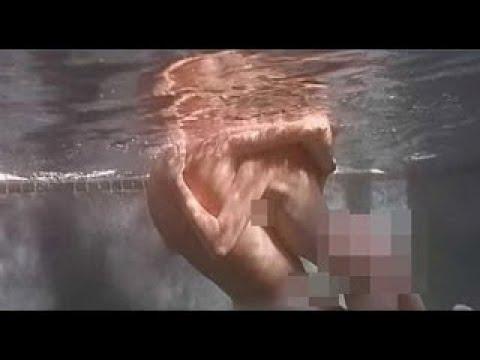 Bruce Willis penis)