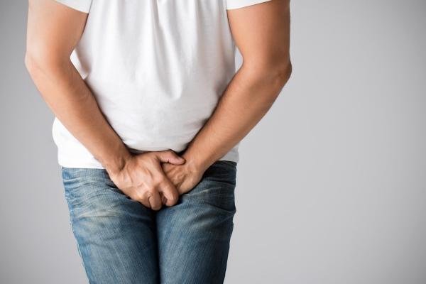 în timpul unei erecții, testiculul intră cum să prelungi erecția bărbaților